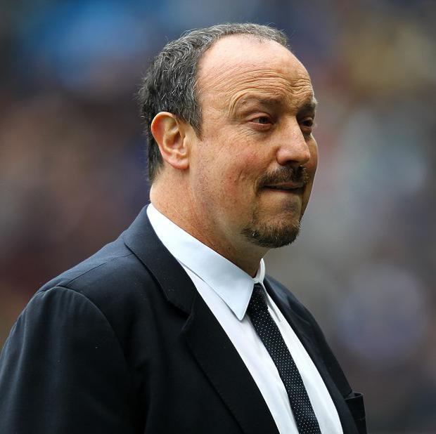 Rafael Benitez wants the Chelsea fans to get behind the team