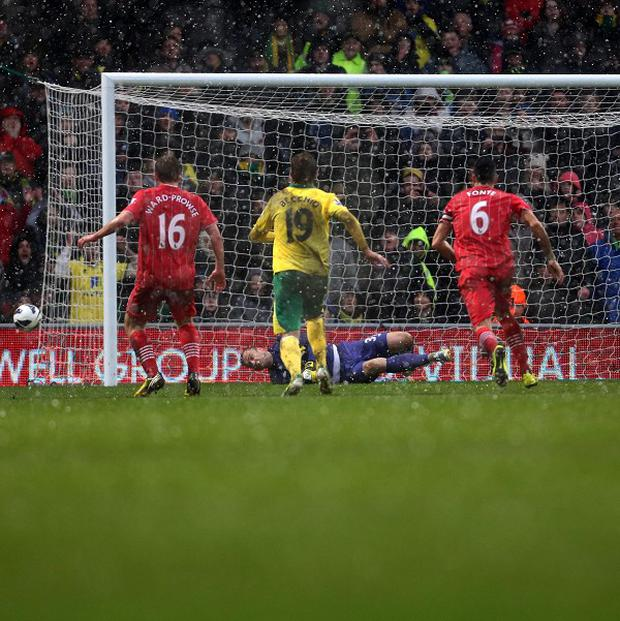 Mauricio Pochettino paid tribute to Artur Boruc after his penalty save earned Southampton a point