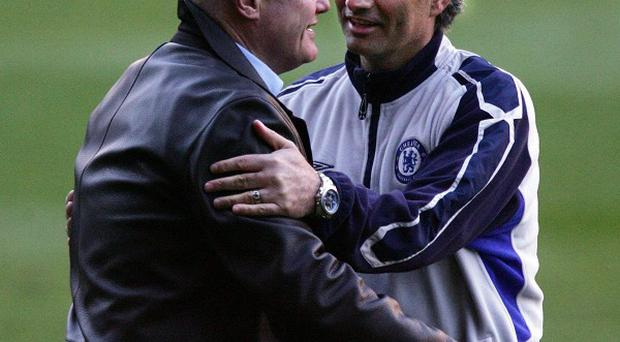 Peter Kenyon, left, worked with Jose Mourinho, right, the last time he was in charge at Stamford Bridge
