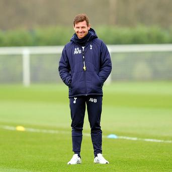 Tottenham manager Andre Villas-Boas has hailed his side's push for a Champions League spot