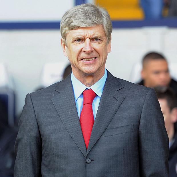 Arsene Wenger says he has no plans to leave Arsenal