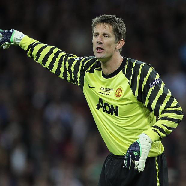 Edwin Van der Sar feels David Moyes is facing a tough task at Old Trafford