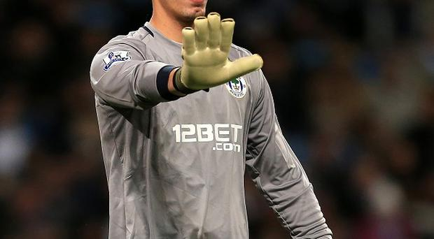 Joel Robles has signed a five-year deal with Everton