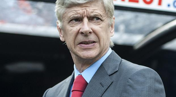 Arsene Wenger is struggling to attract new players