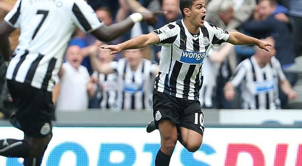 Alan Pardew is expecting big things from Hatem Ben Arfa, right