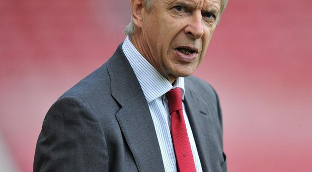 Arsene Wenger will field a side mixed with youth and experience on Tuesday night