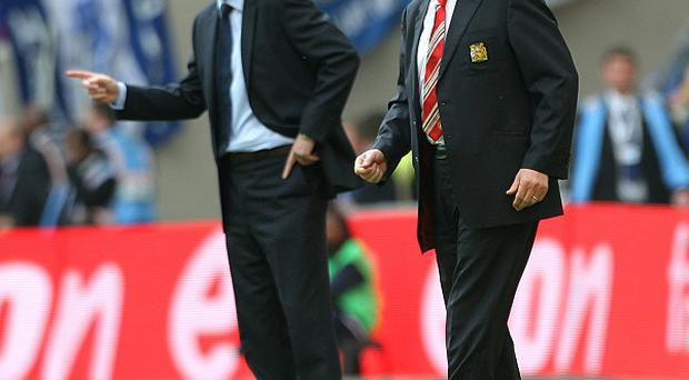 David Moyes, left, has been told to lean on Sir Alex Ferguson's experience