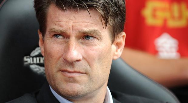 Michael Laudrup believes referees should explain controversial decisions