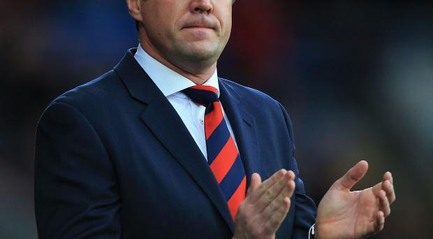 Iwan Roberts has backed former team-mate and Cardiff manager Malky Mackay, while hitting out at owner Vincent Tan