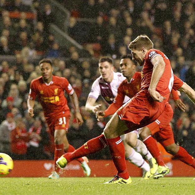 Steven Gerrard nets Liverpool's equaliser from the penalty spot