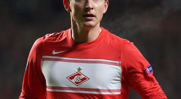 Kim Kallstrom is set to join Arsenal to ease their injury problems