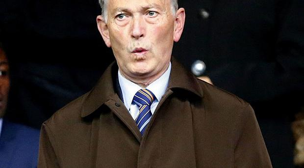 Premier League chief executive Richard Scudamore is to have a heart operation