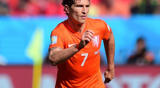 Holland international Daryl Janmaat is understood to be due in Newcastle on Tuesday
