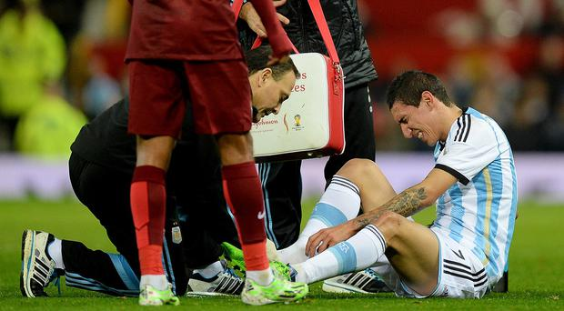 Angel di Maria will have his foot injury assessed