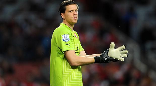 Arsenal goalkeeper Wojciech Szczesny is reported to have been smoking in the Arsenal dressing room