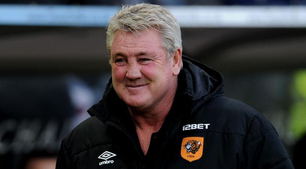 Steve Bruce has agreed a new deal with Hull