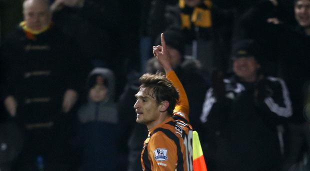 Nikica Jelavic will be out for six weeks