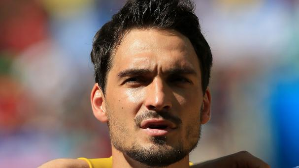 Mats Hummels has denied making a promise to join Manchester United