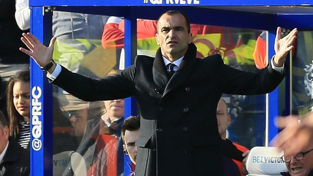 Everton manager Roberto Martinez maintains he is always open to new tactical ideas