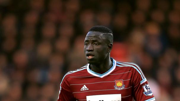 Cheikhou Kouyate is expecting Manchester City to fight back in their Barclays Premier League match on Sunday