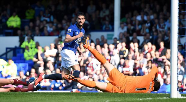 Kevin Mirallas celebrates scoring the winner