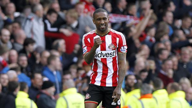 Jermain Defoe insists Sunderland's win has put pressure on other teams