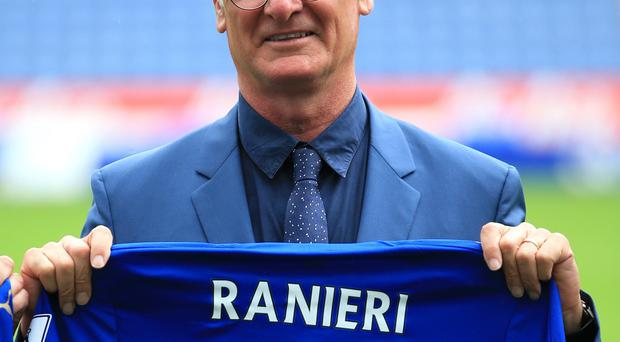 New Leicester boss Claudio Ranieri wants Esteban Cambiasso to stay