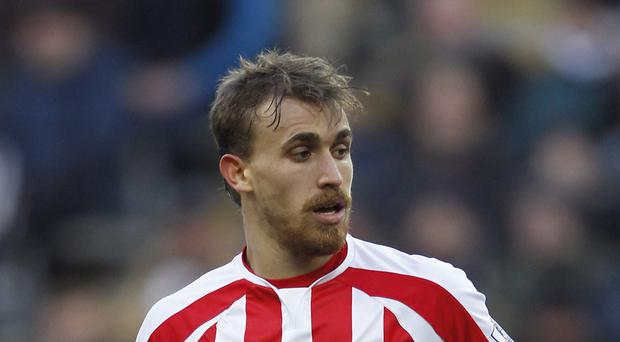 Marc Muniesa will stay with Stoke until 2019