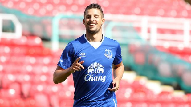 Kevin Mirallas has signed a new three-year contract with Everton