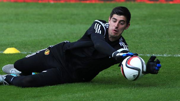 Chelsea's Belgium international goalkeeper Thibaut Courtois is facing a stint on the sidelines.