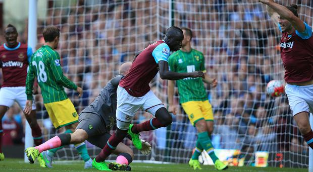 Cheikhou Kouyate grabbed a late equaliser on Saturday