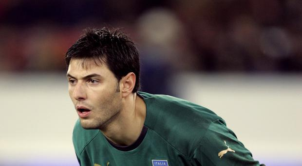 Marco Amelia has agreed a contract until the end of the season with Chelsea