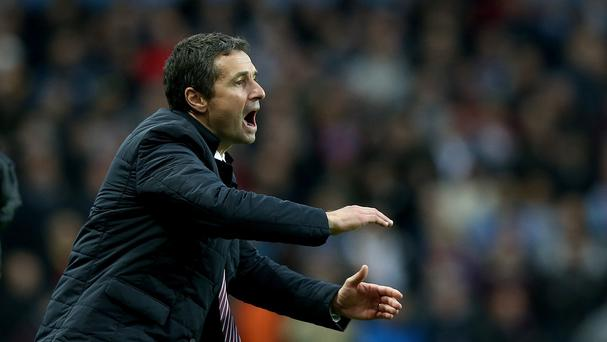 Aston Villa manager Remi Garde wants his team to bounce back against Watford
