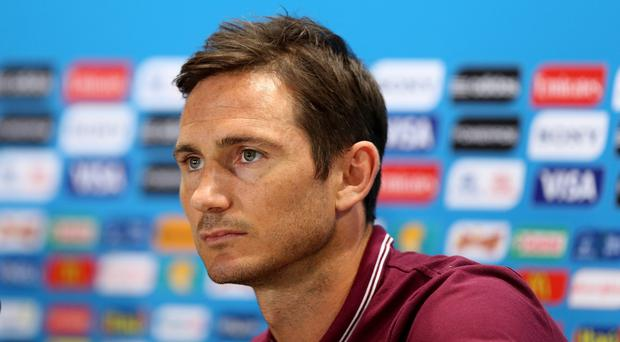 Former Chelsea midfielder Frank Lampard believes club owner Roman Abramovich will be reluctant to sack Chelsea manager Jose Mourinho this season