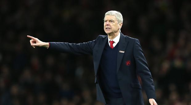 Arsene Wenger expects a healthy Liverpool on Wednesday