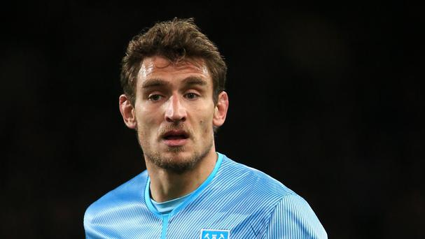 Nikica Jelavic has left West Ham to join Chinese second division side Beijing Renhe