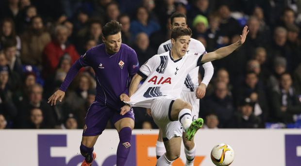 Tottenham Hotspur's Harry Winks has signed a new contract keeping him at the club until 2019