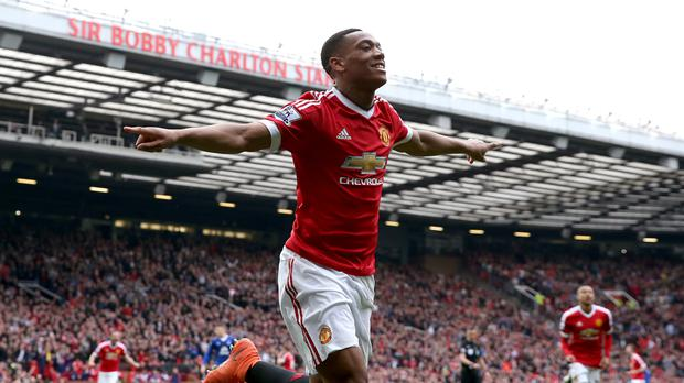 Anthony Martial scored the only goal as Manchester United beat Everton