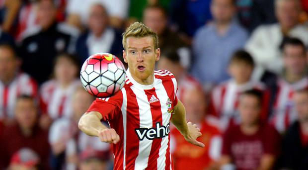 Steven Davis has suffered an ankle injury.
