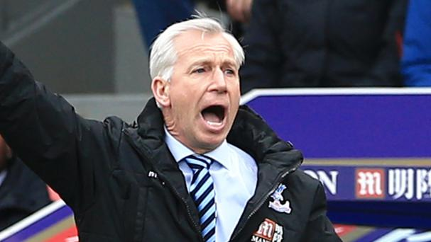 Alan Pardew's Crystal Palace won their first league game in 2016 with victory over Norwich
