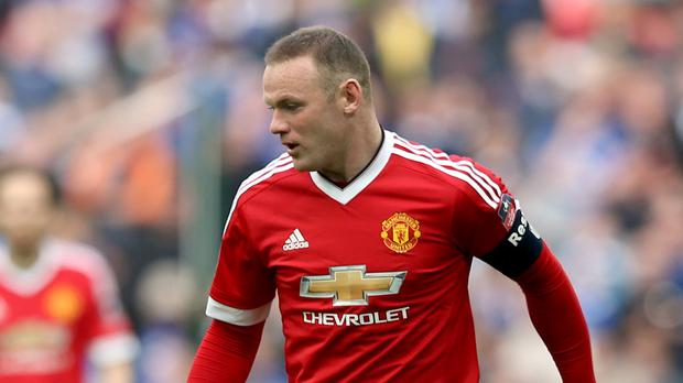 Manchester United's Wayne Rooney wants to take a leaf out of Paul Scholes' book