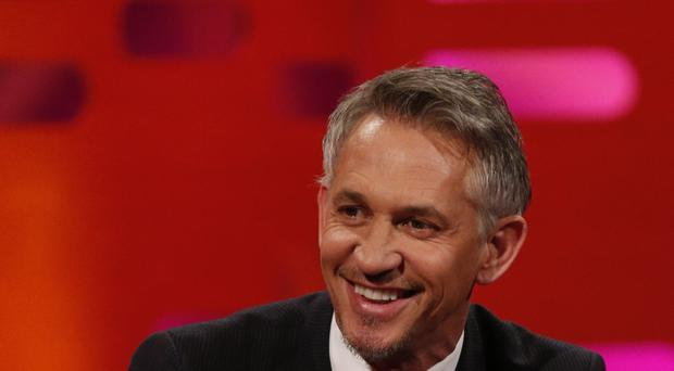 Leicester-born Gary Lineker could present Match of the Day in his underwear if the Foxes win the Barclays Premier League.