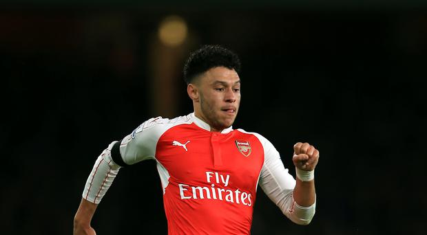 Alex Oxlade-Chamberlain has suffered another knee setback.