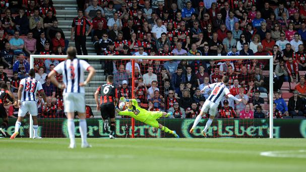 Artur Boruc saves Craig Gardner's penalty