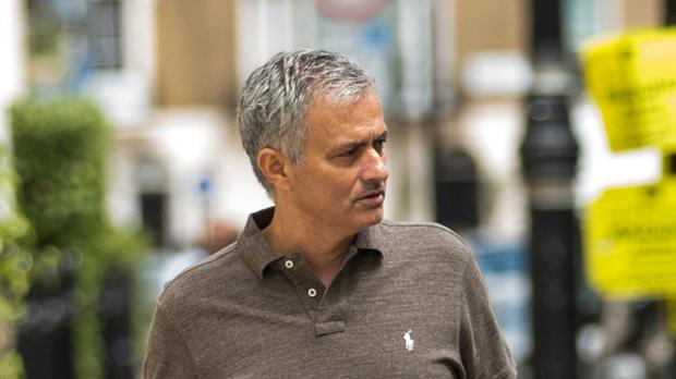 Jose Mourinho is similar to Louis van Gaal, according to Ronald de Boer