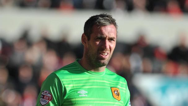 Hull goalkeeper Allan McGregor has suffered a back injury which may keep him out until the new year