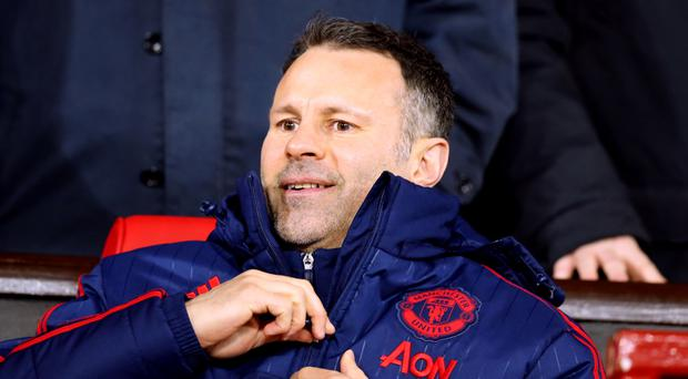 Could Ryan Giggs replace his former Manchester United team-mate at Hull?