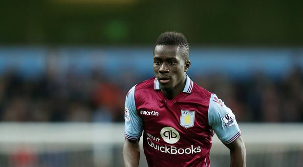 Everton have completed the signing of Aston Villa's Idrissa Gueye.