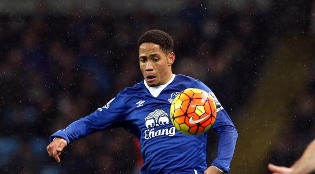Steven Pienaar could reunite with former Everton boss David Moyes