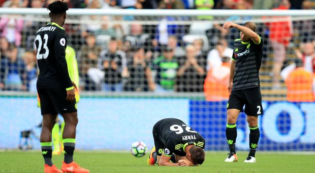 Chelsea's John Terry faces 10 days out